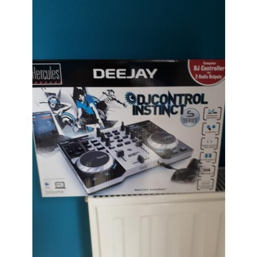 Display Deejee computer controller